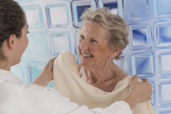 Bathing Tips to Care for a Senior's Skin